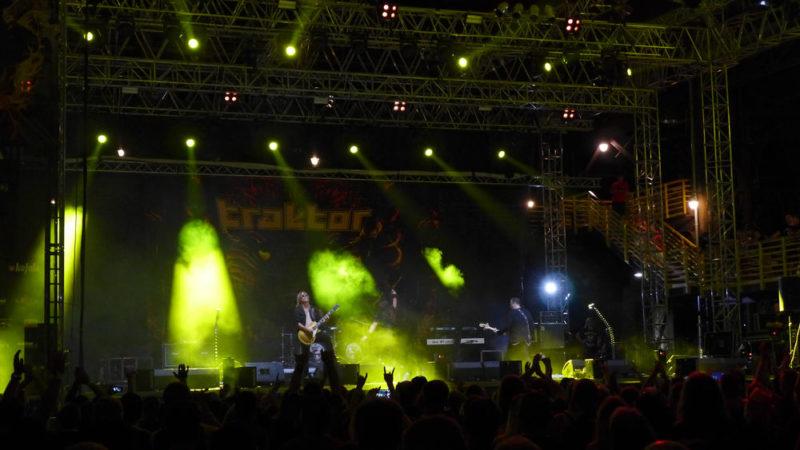 Ostrava v plamenech - Traktor